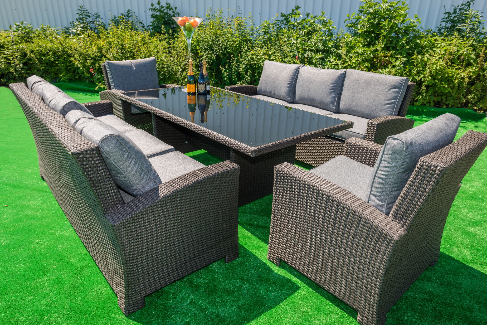 Outdoor Dining In Style With A Rattan Dining Set
